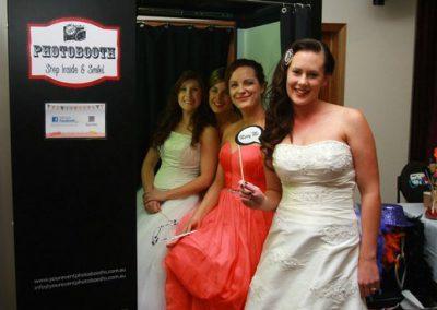 2013-McLaren-Vale-Birdal-Expo-Photobooth-Bride.2